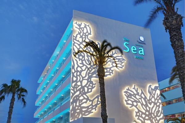 Beim innovativen Design des The Sea Hotel by Grupotel auf Mallorca diente das Meer als Inspiration
