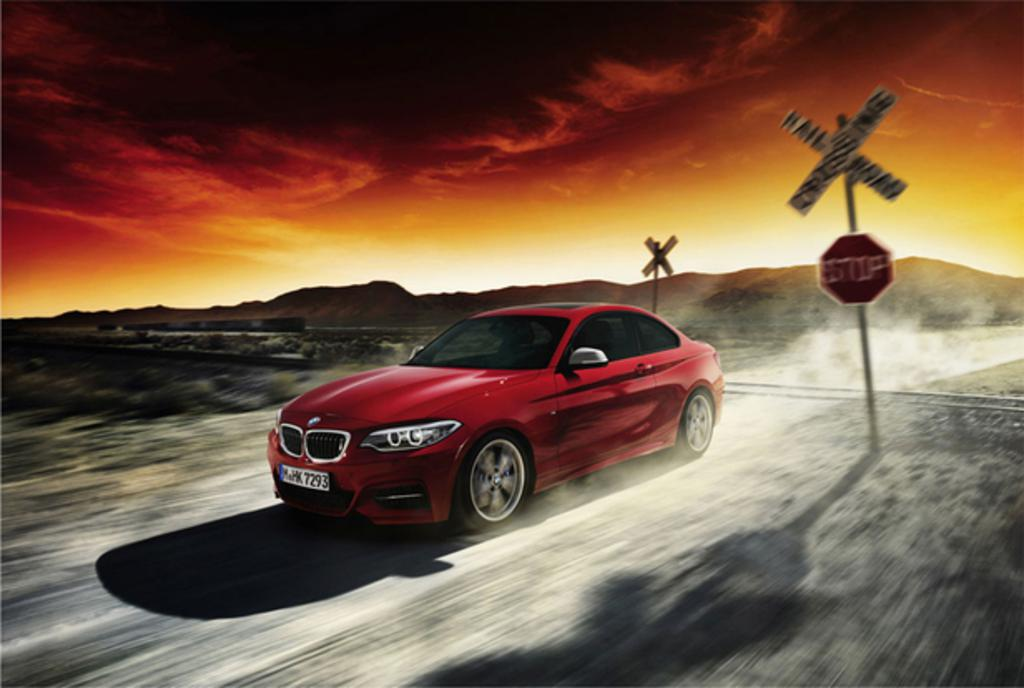BMW 2er Coupé in action